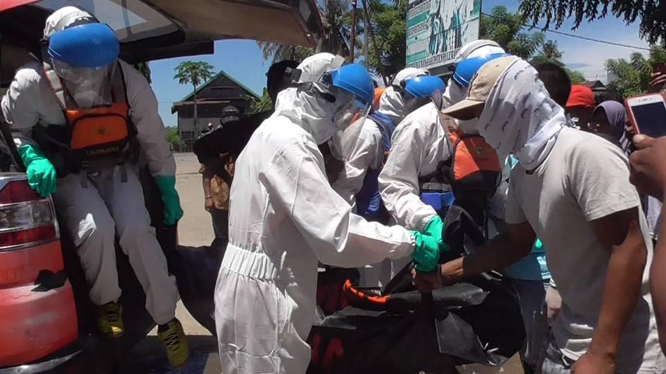 Ditemukan Tewas, Jenazah Pria Tenggelam di Mapilli Dievakuasi Petugas Gunakan APD