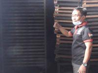 Inspiratif, Pemuda Campalagian Sukses Jadi Eksportir Briket Arang