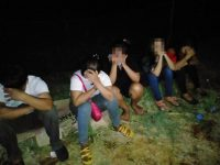 "Petugas Razia ""Gubuk Derita"" di Wonomulyo, Belasan Muda-Mudi Diamankan"