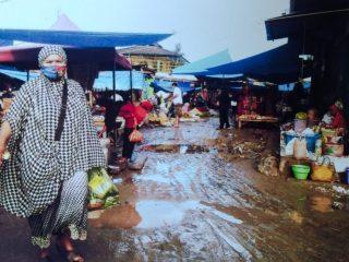 Kumuh dan Becek, Kondisi Pasar Marasa Wonomulyo Dikeluhkan Warga