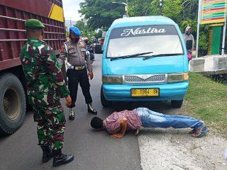 Operasi Yustisi Polsek Pamboang Tindak Pelanggar dengan Sanksi Hukuman Sosial