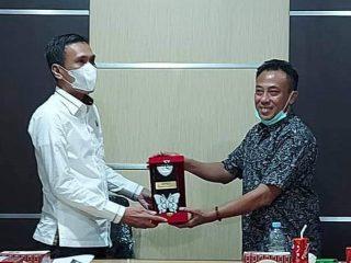 Wakil Ketua DPRD Sulbar Usman Suhuriah Kunker ke DPRD Maros