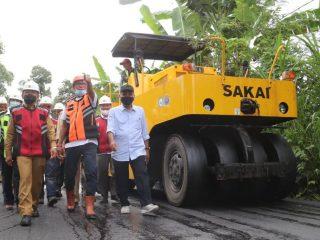 Dikebut, Pembangunan Jalan Poros Mapilli-Piriang Ditarget Rampung 2021