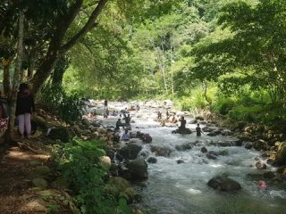 Melihat Keindahan Kawasan Wisata Sarung Allo di Pappandangan - Polman