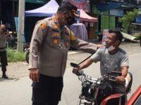 Percepatan Vaksinasi Pengendara Dirazia Polisi di Jalan Trans Sulawesi