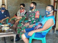 Masa Pandemi Babinsa Sosialisasi Langsung ke Rumah Warga