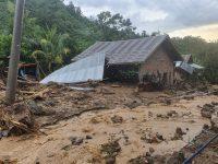 Diterjang Longsor, Lima Rumah Warga di Kalimbua-Tapango Rusak Parah