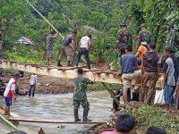 Bantu Korban Longsor Kalimbua, Seratusan Anggota Kodim 1402/Polmas Diterjunkan