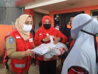 Serahkan Bantuan di Kasiwa Tengah, Wagub Sulbar Harap Masyarakat Segera Bangkit