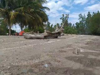 Kasus Covid-19 Kembali Meningkat, Wisata Pantai Babana Sepi Pengunjung